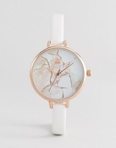 Часы с большим циферблатом и узким ремешком с мраморным принтом ASOS CURVE - Кремовый