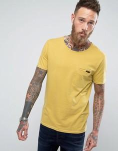 Футболка с карманом Nudie Jeans Co Ove - Желтый