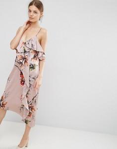 Платье миди на бретельках с цветочным принтом и оборками ASOS - Мульти