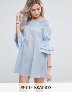 Платье мини с открытыми плечами и рукавами-оборками Missguided Petite - Синий