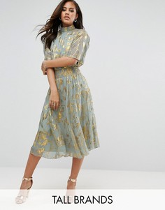 Приталенное платье с высоким воротом и золотистым принтом металлик Y.A.S Tall - Мульти