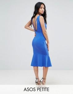 Платье миди с глубоким вырезом на спине и оборкой ASOS PETITE - Мульти