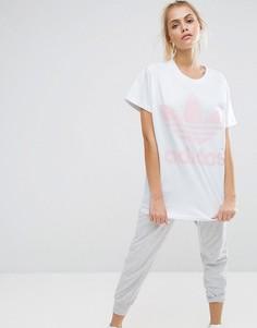 Бело-розовая футболка с большим логотипом-трилистником adidas Originals - Белый