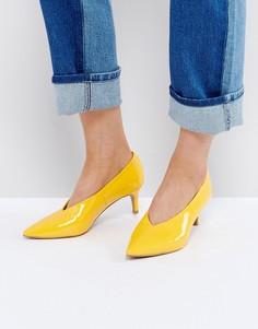 Туфли на каблуке-рюмочке с заостренным носком ASOS SUZIE - Желтый