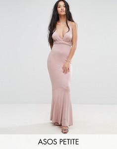 Платье макси с глубоким вырезом и плетеными бретелями ASOS PETITE - Розовый