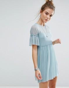 Платье с сетчатым верхним слоем и оборками New Look - Синий