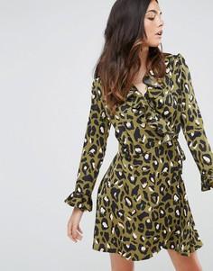Платье с запахом и звериным принтом Liquorish - Зеленый
