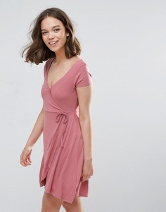 Трикотажное платье с запахом Brave Soul - Розовый