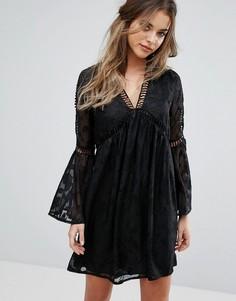 Кружевное платье мини с рукавами клеш Boohoo - Черный