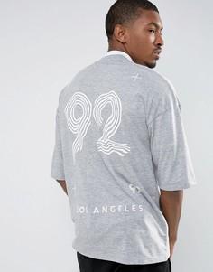 Свободная футболка с принтом 92 на спине и контрастной отделкой ASOS - Серый