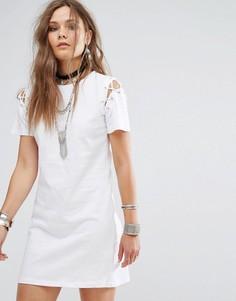 Платье-футболка со шнуровкой на плечах Glamorous - Коричневый
