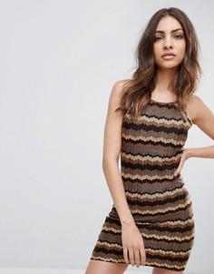 Платье с отделкой зизагами Glamorous - Коричневый