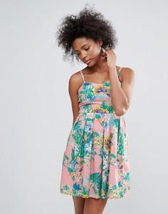 Легкое платье с тропическим принтом Urban Bliss - Мульти