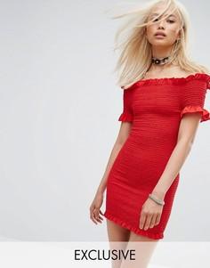 Присборенное облегающее платье с открытыми плечами Milk It - Красный