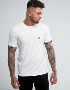 Белая футболка узкого кроя из пике с отделкой на рукавах Fred Perry - Белый