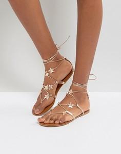 Сандалии на шнуровке со звездочками New Look - Золотой