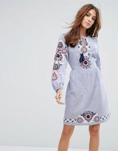 Свободное платье с вышивкой New Look - Синий