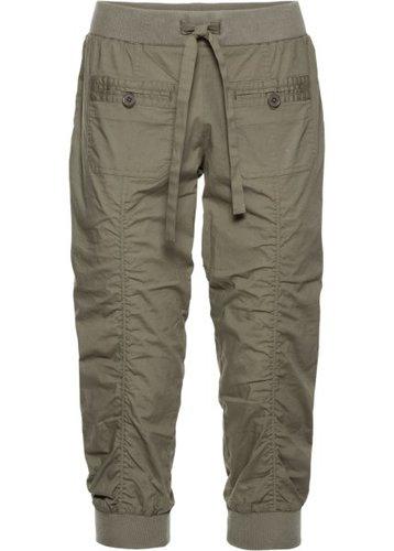 Удобные брюки-капри (оливковый)