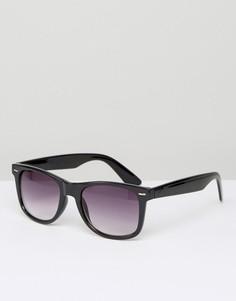 Солнцезащитные очки в квадратной черной оправе D-Struct - Черный