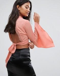 Кроп-топ с расклешенными рукавами и лентой на спине Love & Other Things - Розовый