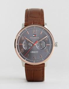 Часы с коричневым кожаным ремешком Tommy Hilfiger 1791357 - Коричневый