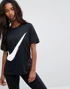 Футболка с фирменным символом Nike - Черный