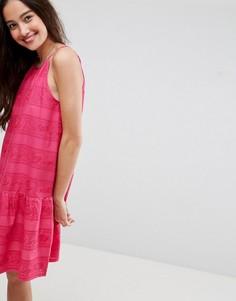 Платье мини с заниженной талией и вышивкой ришелье ASOS - Розовый