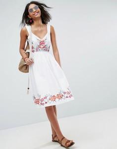 Платье миди с вышивкой ASOS PREMIUM - Белый