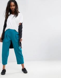 Суженные книзу брюки с завышенной талией и плиссировкой ASOS Tailored - Зеленый