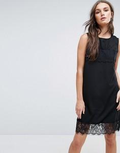 Цельнокройное платье с кружевной отделкой Y.A.S Talla - Черный