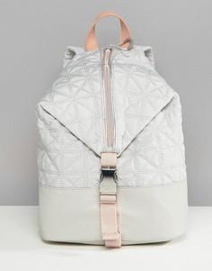 Серый стеганый рюкзак с молниями Fiorelli Sport - Серый