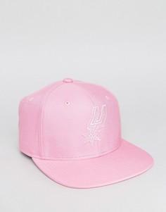 Бейсболка с логотипом San Antonio Spurs Mitchell & Ness - Розовый