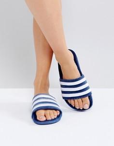Синие бархатные шлепанцы adidas Originals Adilette - Синий