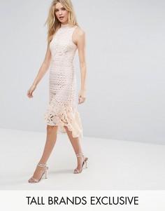 Платье миди из кружева премиум-класса с высоким воротом True Decadence Tall - Розовый