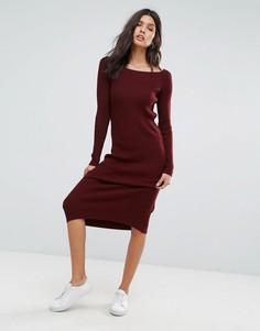 Вязаное платье в рубчик с открытыми плечами ASOS - Красный
