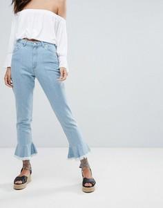 Прямые джинсы с оборками по краю PrettyLittleThing - Синий