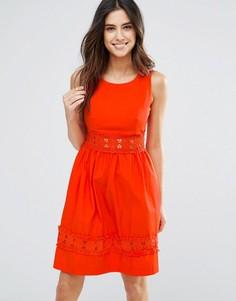 Платье с ажурной отделкой по краям Louche Larkspur - Красный
