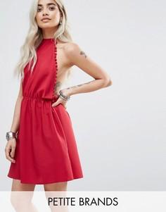 Платье с помпонами Boohoo Petite - Красный