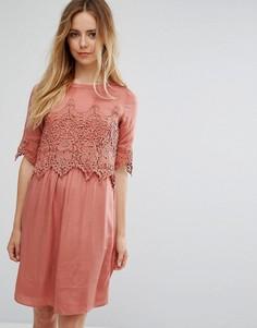 Платье с кружевным верхним слоем Vila - Розовый