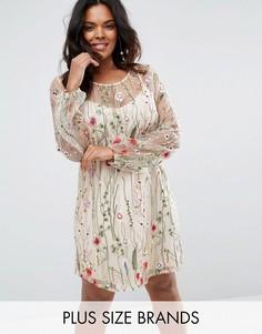 Цельнокройное платье с вышивкой Boohoo Plus - Бежевый
