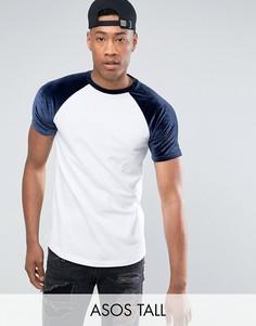 Темно-синяя футболка с контрастными велюровыми рукавами реглан ASOS TALL - Белый