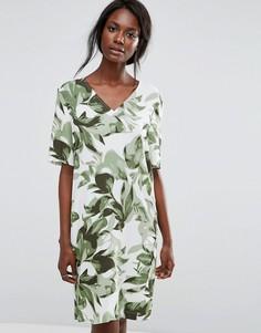 Свободное платье с тропическим принтом Selected - Мульти
