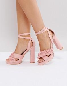 Розовые босоножки с перекрестными ремешками и оборками Glamorous - Розовый
