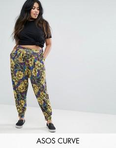 Гаремные брюки с тропическим принтом и отворотом на поясе ASOS CURVE - Мульти
