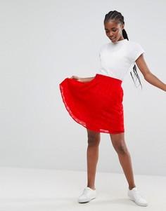 Фактурная короткая расклешенная юбка Minimum - Красный