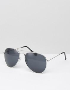 Солнцезащитные очки-авиаторы в серебристой металлической оправе AJ Morgan - Серебряный