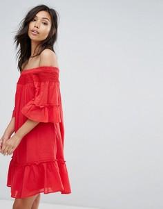 Ярусное платье со спущенными плечами Vero Moda - Красный