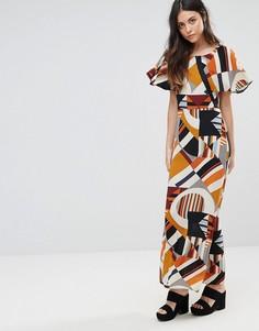Платье макси с геометрическим принтом и рукавами-оборками Liquorish - Мульти