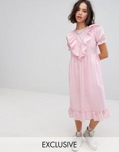 Платье миди с вышивкой ришелье, отделкой и оборками Reclaimed Vintage Inspired - Розовый