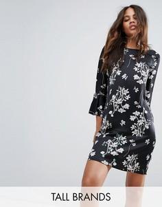 Платье с цветочным принтом Vero Moda Tall - Черный